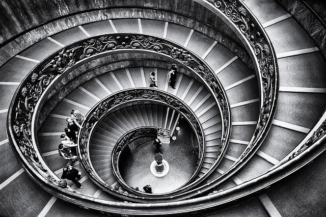 točité schody